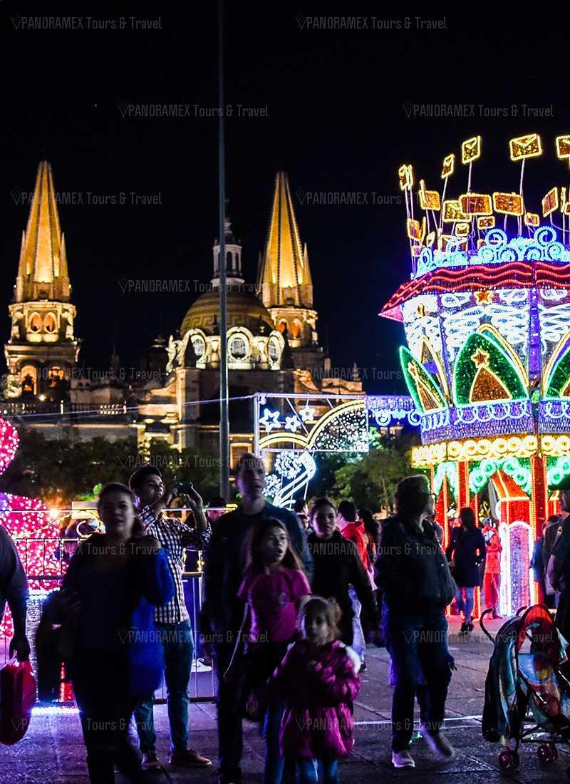 guadalajara centro historico adornado de navidad